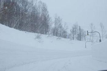 どこまでも雪の壁.jpg